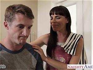 sweetie housewife Dana DeArmond gets facialized in pov
