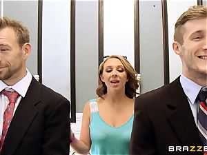 Brooke Wylde threesome in the elevator