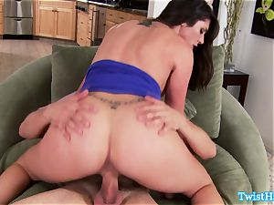 uber-sexy Anna Morna inhales a rail and squeals
