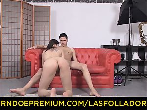 LAS FOLLADORAS - humungous baps dame picked up and pounded