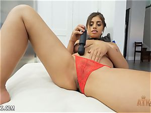 Exotic Ella Knox is smoking red-hot toying with her toy