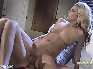 whorish married platinum-blonde came to visit her pal