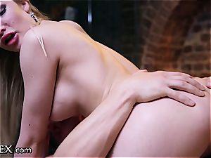 erotic fuckfest on the massage table