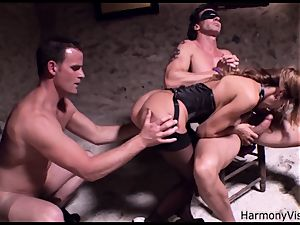 nasty bitch gets her fuckholes poked rock-hard in a threeway