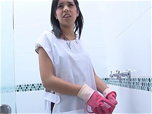OPERACION LIMPIEZA - Colombian maid smashed hard-core pov