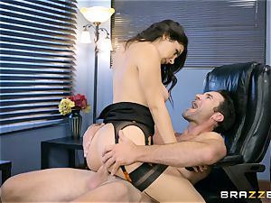 Valentina Nappi plowed in her butthole