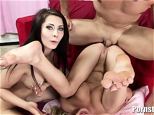 This steaming threeway ends Up In Getting booty jizzed
