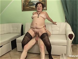 insane mature keeps her stockings on for pummeling