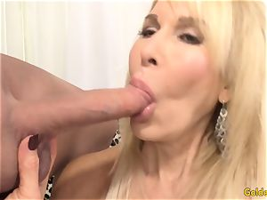 Mature blond flashes off her honeypot and humps