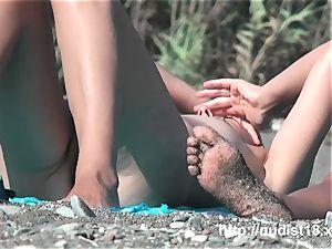 cool nudist gf manstick to the beach