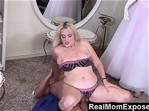 RealMomExposed Lascivious cougar gets her cunny jammed