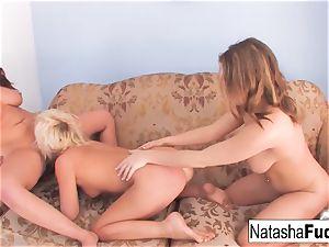London and Natasha poke Kelly Surfer