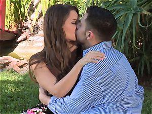 Facade Sn 4 go on a super-hot picnic with fabulous Cassidy Klein