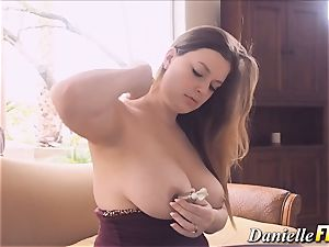 Solo naturally huge-titted honey