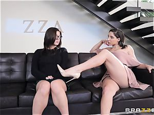 girl/girl munching sorority with Abella Danger and Jojo kiss