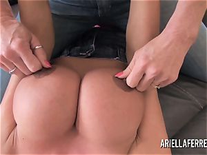 immense titty playtime with Ariella Ferrera and Deauxma