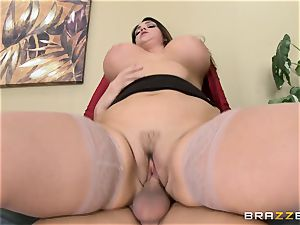 Alison Tyler gets her lush vag dicked in the office
