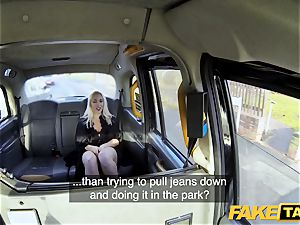 faux taxi blonde milf Victoria Summers boinked in a taxi