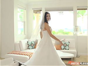 Jasmine Jae is one super hot bride