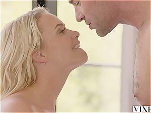 Mia Malkova seducing her super-hot renter