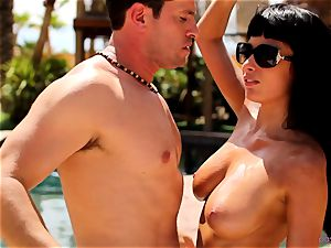 Anissa Kate disrobe her swimsuit to pulverize poolside