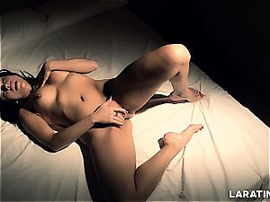 super-steamy Latina toying with her snatch